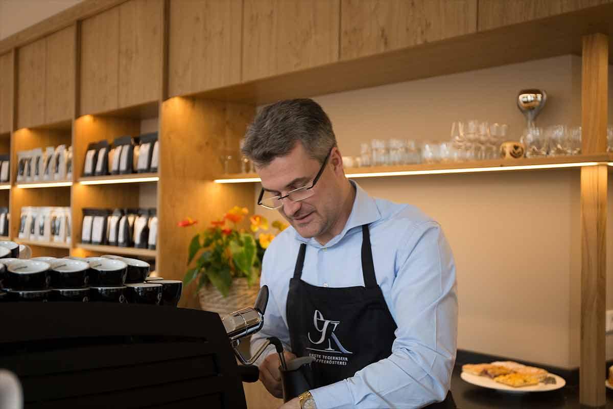 Der Kaffee-Kosmopolit vom Café Felix   Seeseiten Tegernsee
