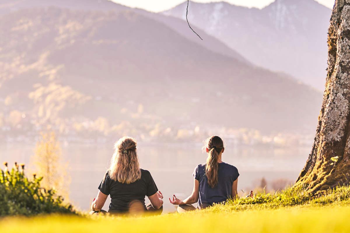 Susanne Mayr wandert meditativ am Tegernsee